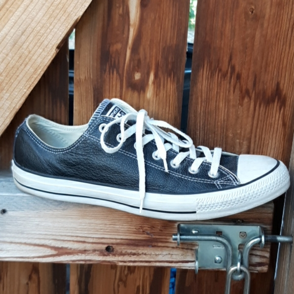 Converse black leather low top sneakers mens 13